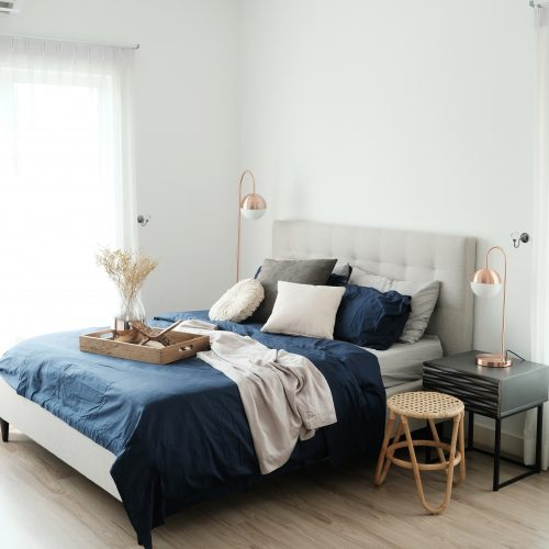 How To Fit A Queen Size Bed In A Small Size Bedroom